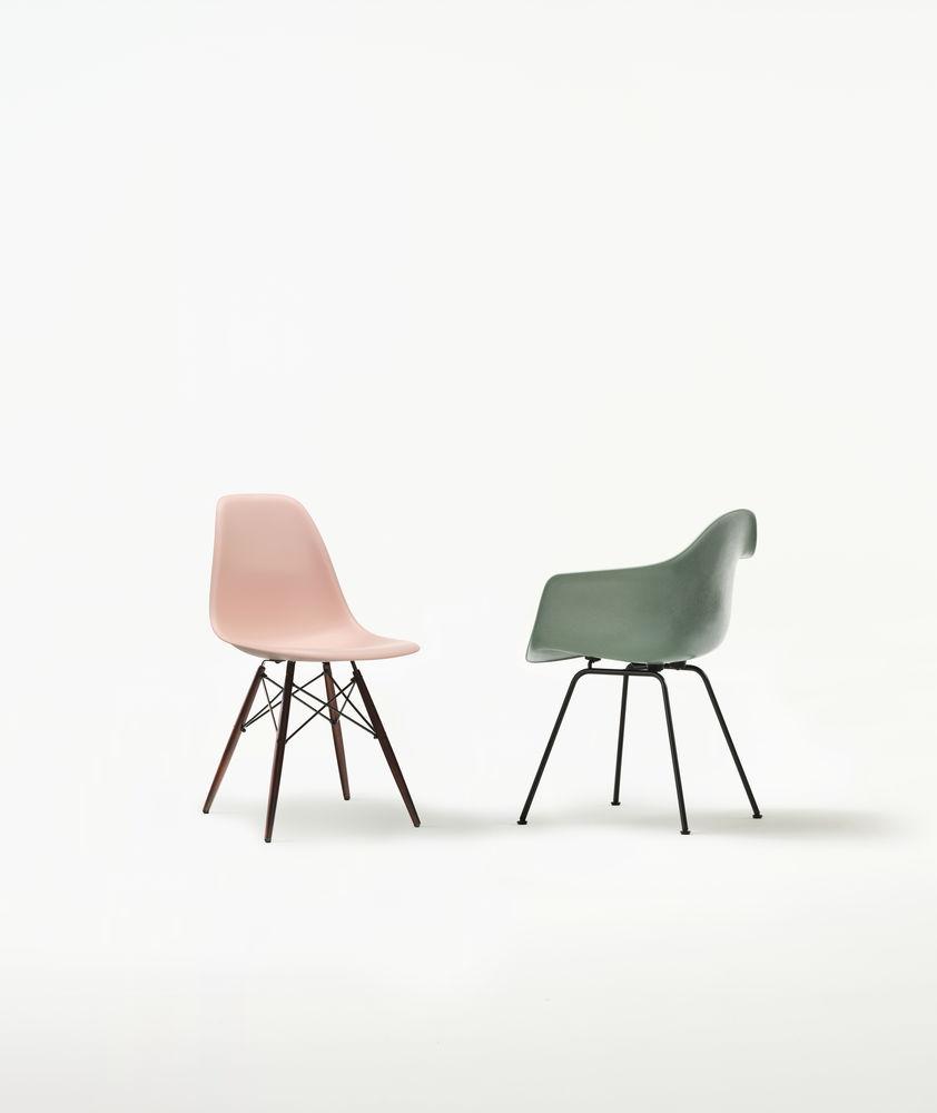 3975525_Eames Plastic Side Chair DSW Eames Fiberglass Armchair DAX_preview